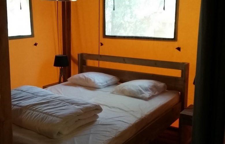 chambre lit double avec chauffage